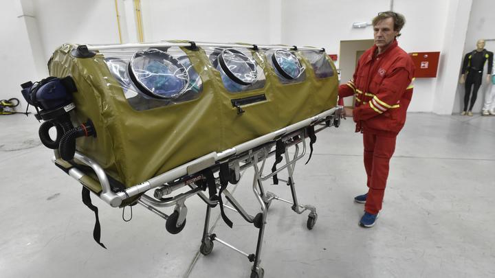 Вернулись из Китая с подозрением на коронавирус: В Москве госпитализировали членов экипажа самолёта