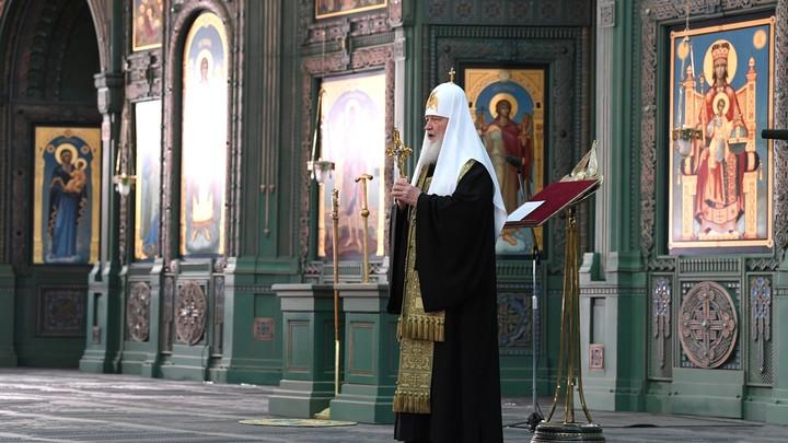 Патриарх Кирилл: Церковь хранит молитвенную память о павших воинах