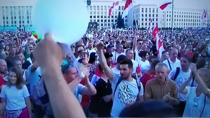 Белорусские партизаны тысячами вышли на улицу. ОМОН применил резиновые пули