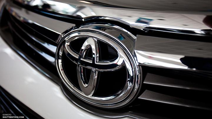 Инсайдер Toyota опубликовал в интернете фотографии нового Land Cruiser Prado
