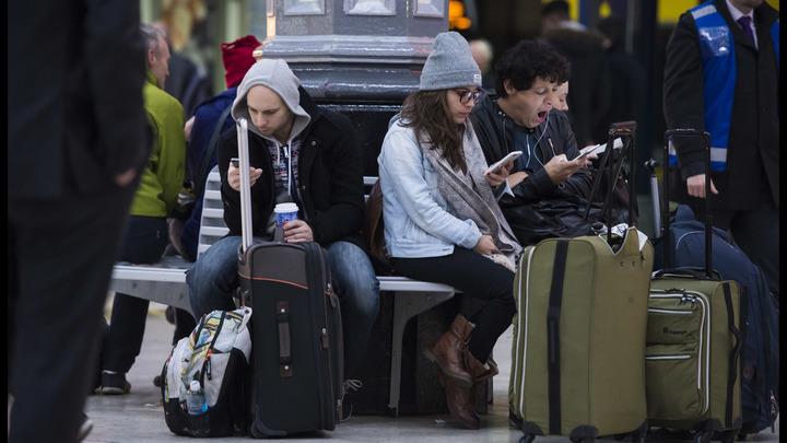 Это не связано с терроризмом: В британском аэропорту ищут владельцев парализовавших полёты дронов