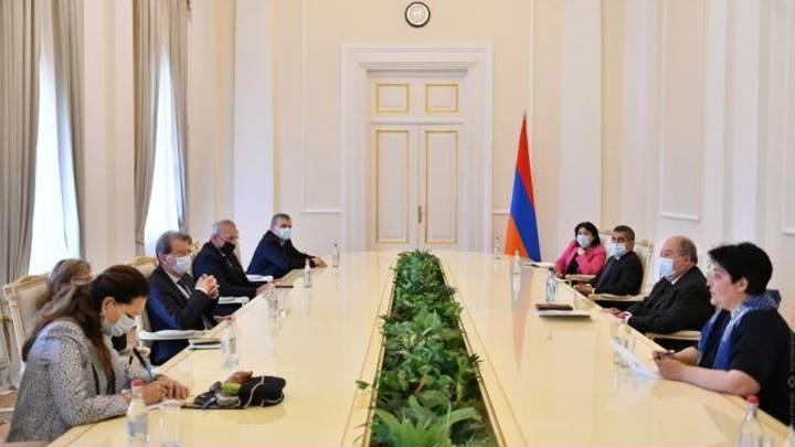Парламентская делегация из Франции прибыла в Армению и в Арцах