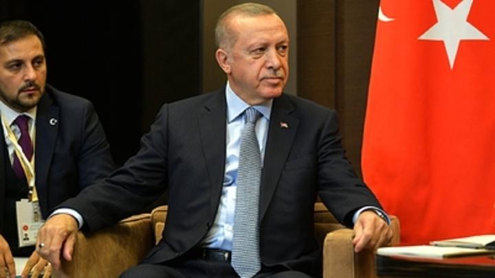 Сколько турецких ножей в спине у России?: Эрдоган снова отказался признать Крым русским. В Сети предложили санкции