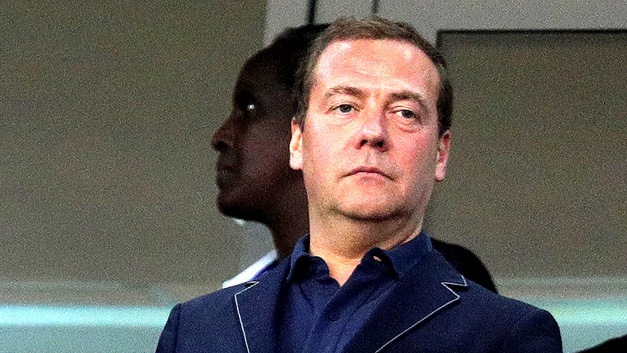 Новая эпоха футбола по-медведевски: С Мутко и без планов развития