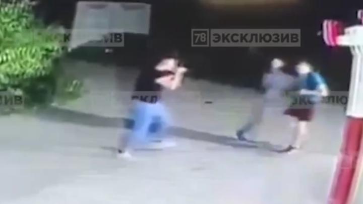16-летний мигрант вцепился в мобильник: Видео вскрыло новые подробности убийства русского парня