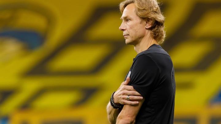 Новый тренер сборной России по футболу Валерий Карпин ушёл с поста главного тренера ФК Ростов