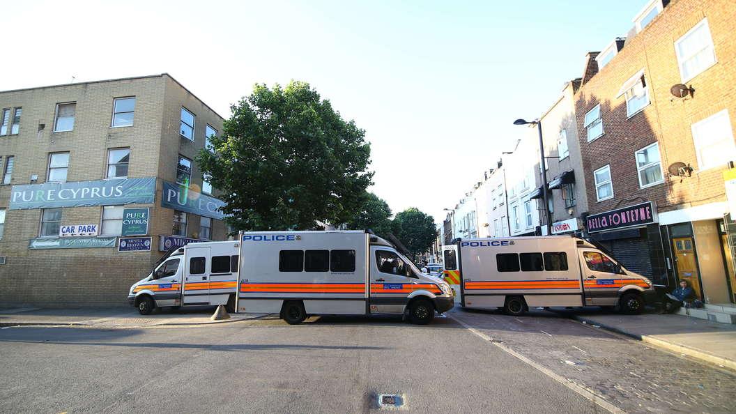 В Лондоне грузовик въехал в толпу. Онлайн-трансляция