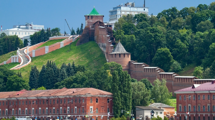 Литературный сад и летний театр открылись в Нижегородском кремле
