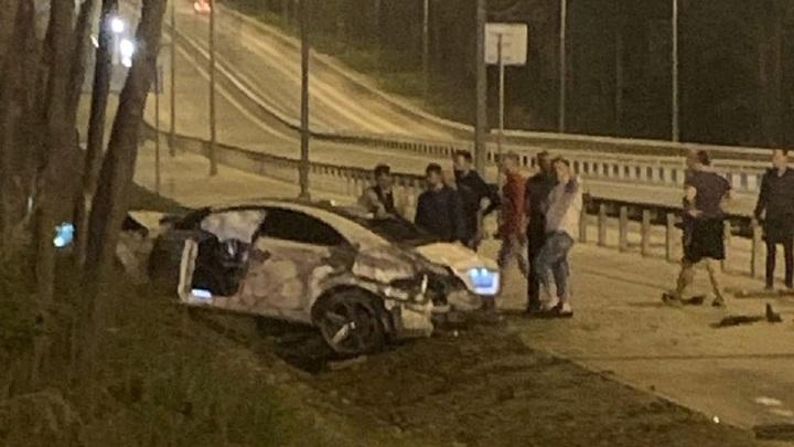 В Самаре участниками VIP-аварии стали два Мерседеса и пожарная машина