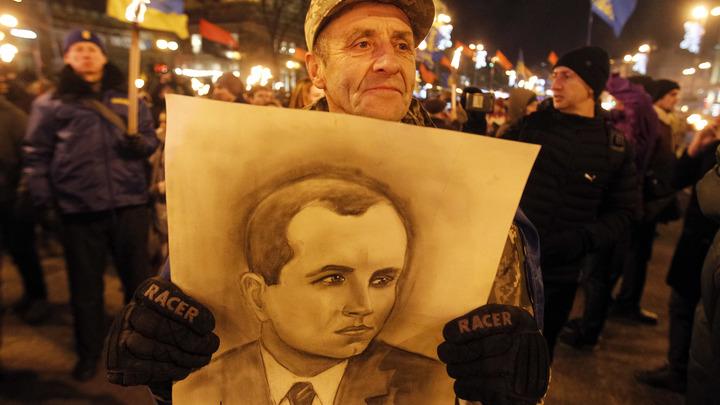 Господа, вы звери: На Бандеровских чтениях в киевском горсовете держали речь главари неонацистов