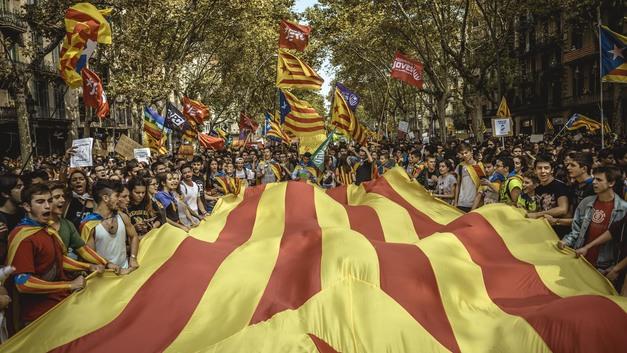 Из-за референдума в Каталонии закроют небо над Барселоной