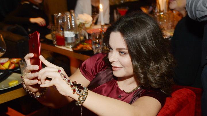 А президент мне юбочку поправлял: Наташа Королёва оценила ревность мужа к Зеленскому