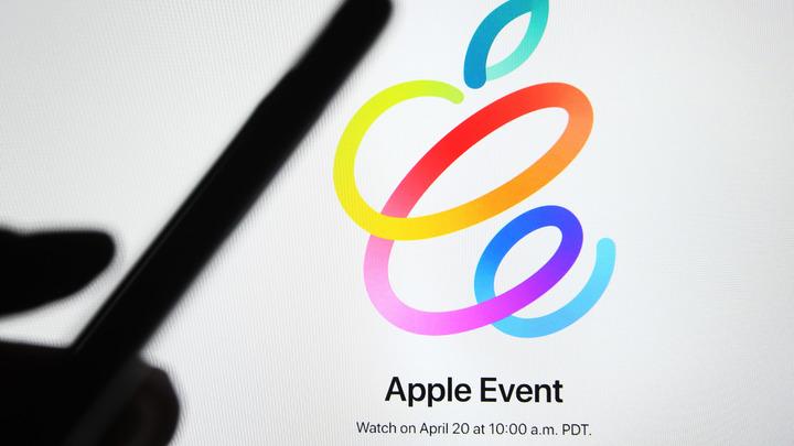 Даже двух баб всунули: В презентации Apple нашли все меньшинства