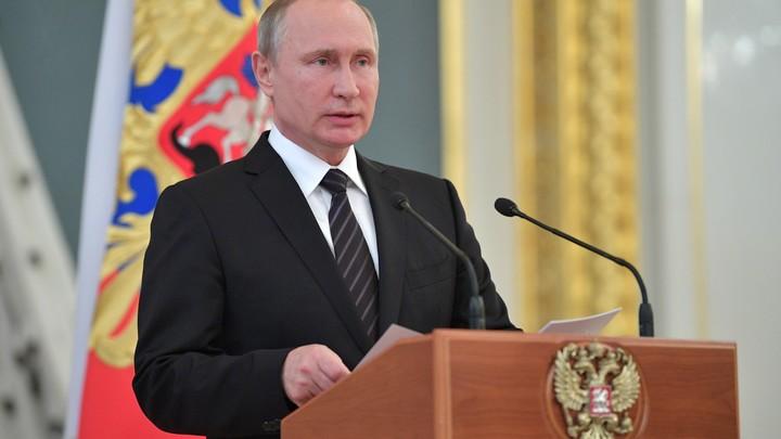 Путин направил поздравления с Днем независимости в Таджикистан