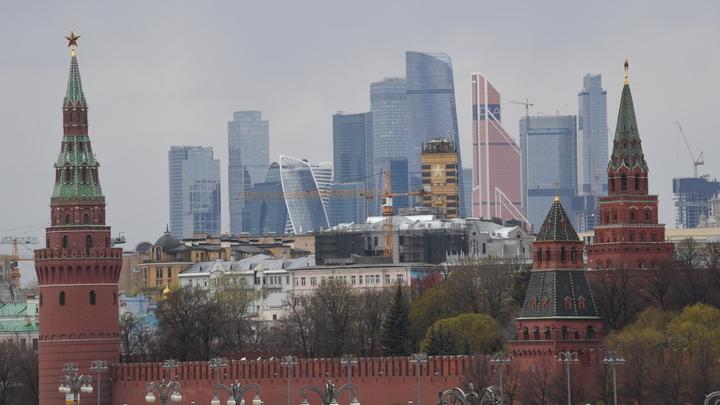 На дерзость Биллингсли Баранец предложил величественную розовую дулю Кремля