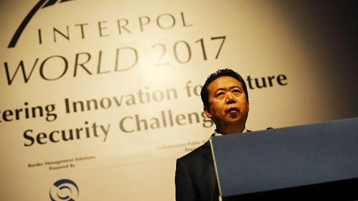 В Китае пропал президент Интерпола. Версии - от похищения до преследования