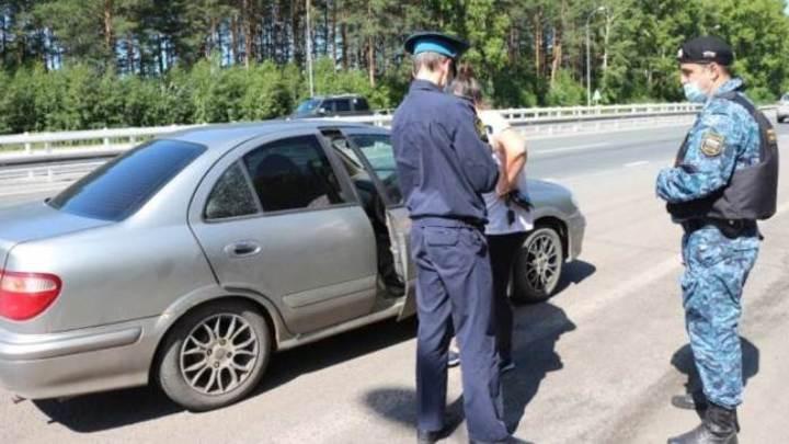 Судебные приставы арестовали пять автомобилей на въезде в Кемерово