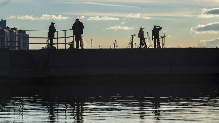 «Ракета» улететь не смогла: Посетители парка развлечений в Петербурге застряли на аттракционе