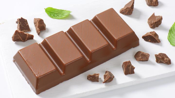 Берегись украинцев, дары приносящих. Делегация из РФ отказалась угощаться шоколадом в ТКГ