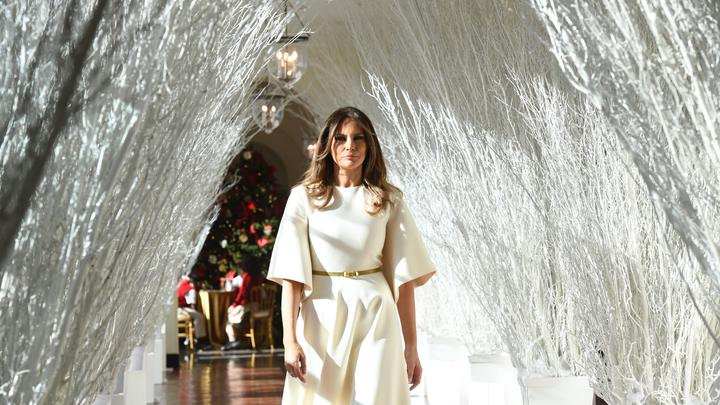 Соцсети: Меланья Трамп украсила Белый дом к Рождеству в лучших традициях фильмов ужасов