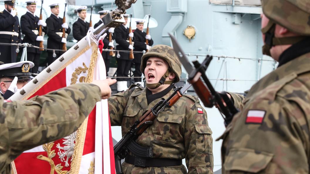 Украинцев перестали пускать вПольшу заотказ осуждать Бандеру