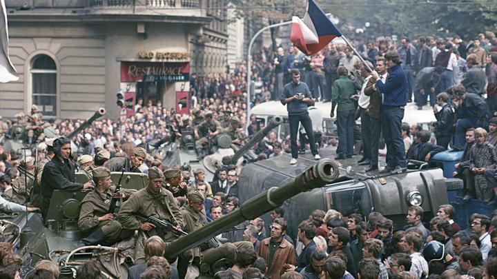 Аромат солярки в воздухе весны. 50 лет назад СССР ввел войска в Чехословакию