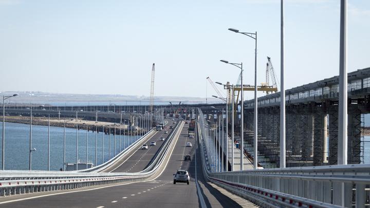 Первый поезд - через неделю: Завершено строительство железнодорожной части Крымского моста