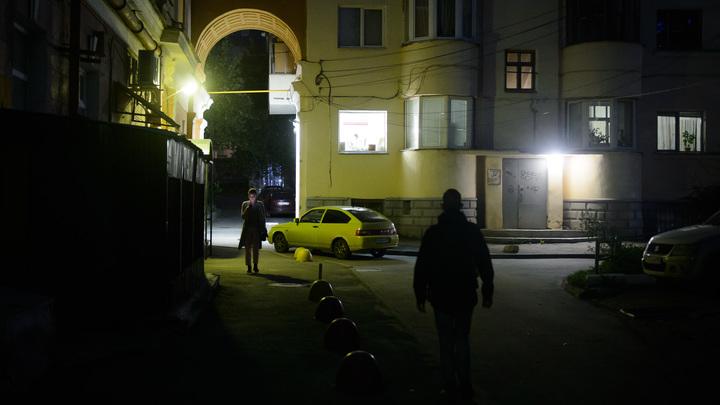 В Подмосковье двухлетнюю девочку оставили на улице ночью