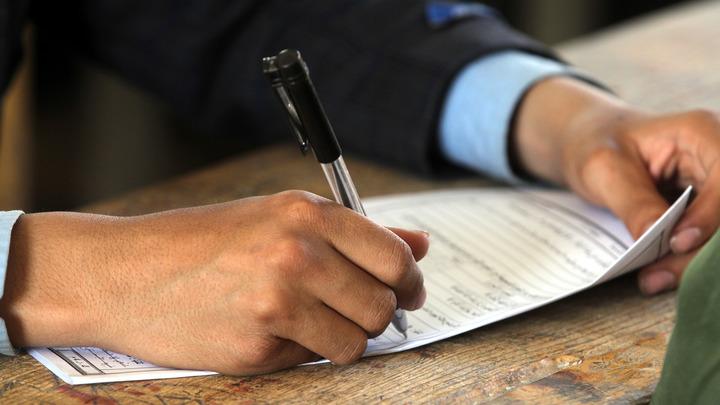 Переписать или ждать: У школьника, который получил 0 баллов по ЕГЭ, есть два варианта развития событий