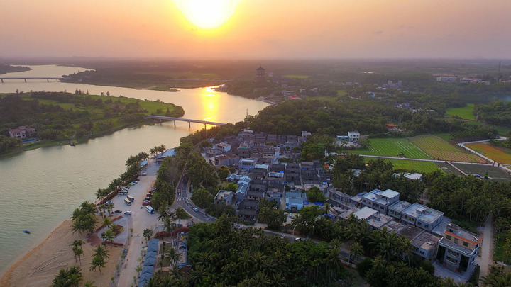 Подарок к Первому мая: Туристы из России смогут без виз посещать китайский остров Хайнань