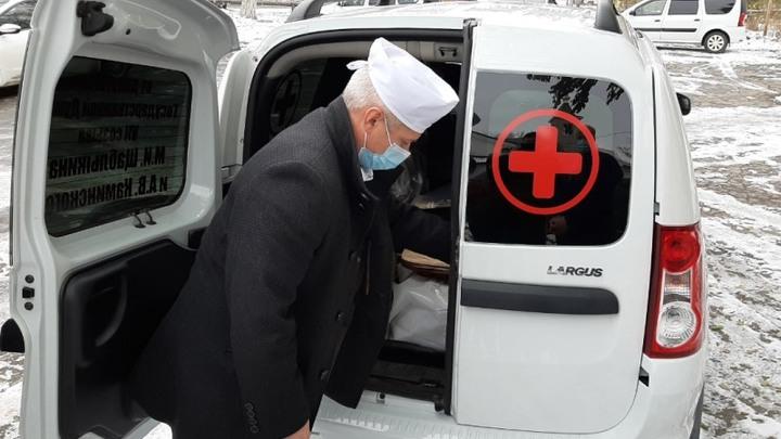 В Шахтах депутаты Госдумы передали врачам арестованную машину в аренду, назвав её подарком