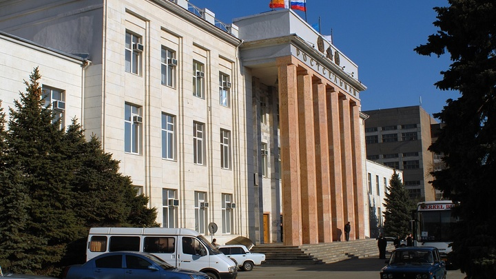 Перерубленный кабель обесточил целый район в Ростове-на-Дону