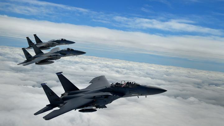 США отправили к границе России семь истребителей F-15C Eagle