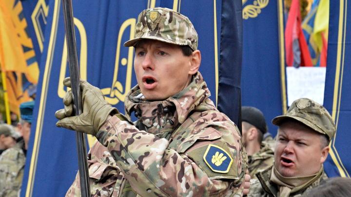 Сильнейшие в Европе: Пьяного бойца ВСУ избили и разоружили прямо на блокпосту