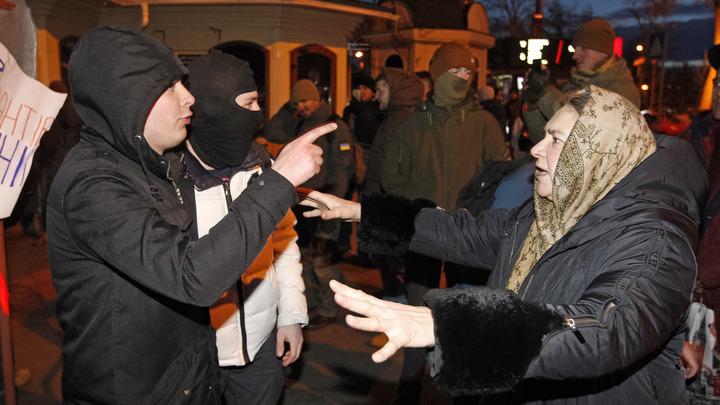 Горсовет Киева благословил вандалов на разрушение Десятинной часовни