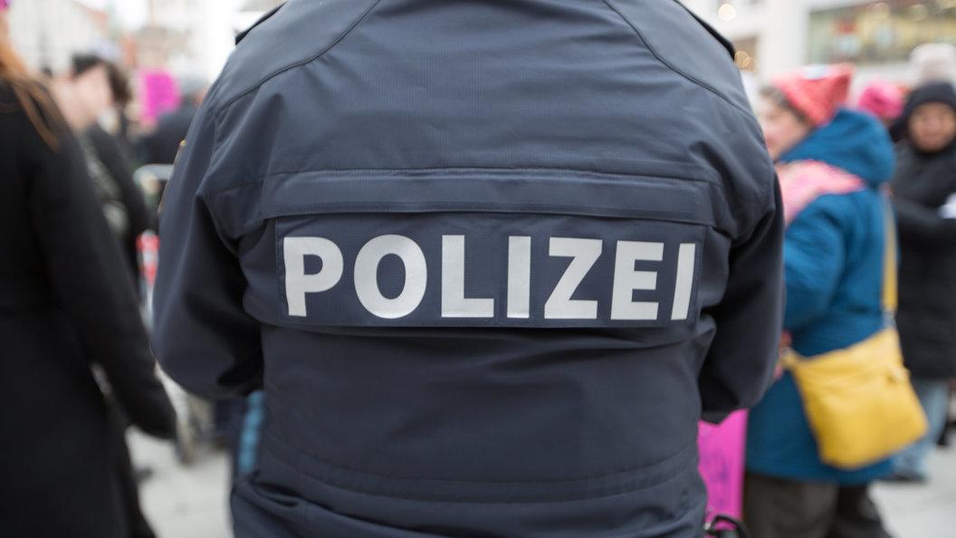 ВГермании неизвестные похитили две фуры с44 тоннами шоколада
