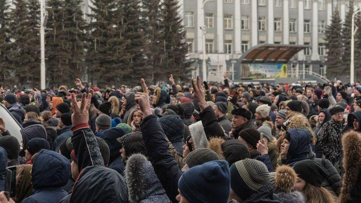 Я всех подставил: Врач из Кемерова признался, что сведения о 300 погибших взял из соцсетей - видео