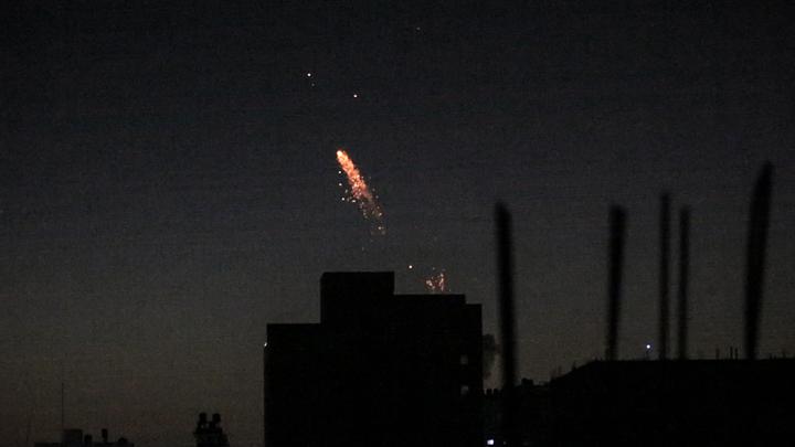 Опубликовано видео борьбы ПВО Сирии с ракетными атаками Израиля