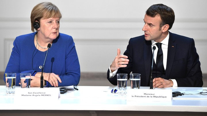 Когда Путин молчит...: Михалков раскрыл неприличный разговор Меркель и Макрона