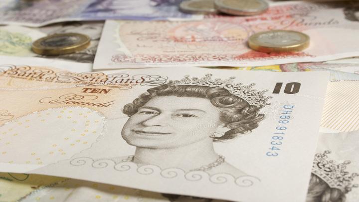 Упали вместе: Отставка Бориса Джонсона обвалила британскую валюту