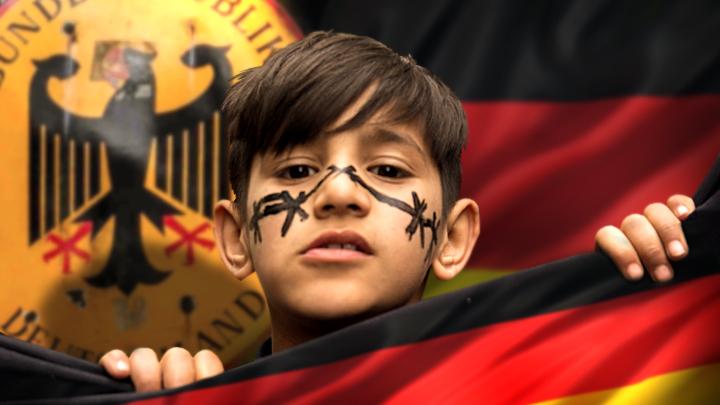 """Deutscher Polizist - an den Vater eines russischen Kindes: """"Schreiben Sie eine Erklärung an den Schulleiter.  Ihr wird nichts passieren, aber du wirst eingesperrt."""