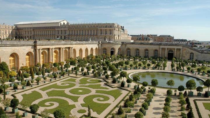 Хинштейн показал фото дворца скромного проректора: Позавидует даже Версаль
