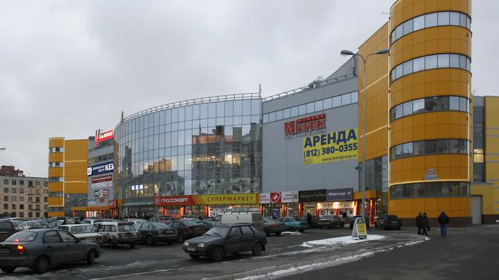 Общепит в ТЦ и концертные площадки: какие COVID-ограничения планируют снять в Петербурге