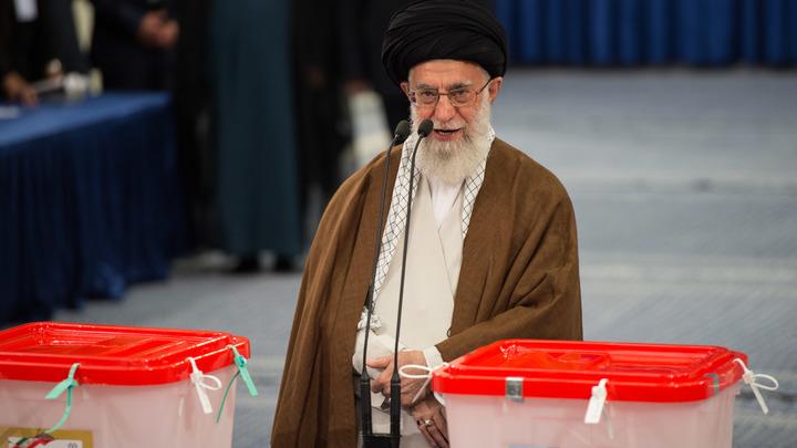 Они же первоклассные идиоты: Духовный лидер Ирана рассказал о клоунаде властей США