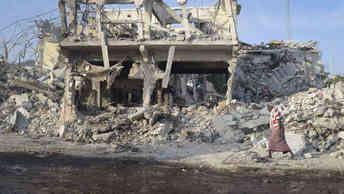 Путин о почти 300 жертвах теракта в Сомали: Чудовищное преступление