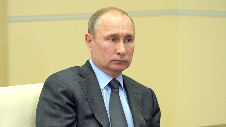 Польша в бешенстве: Ватикан наградит Путина за установление мира в Сирии