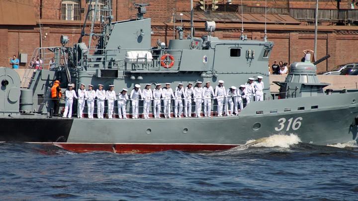 На борту крылатые ракеты и зенитки: Назван самый опасный военный корабль России