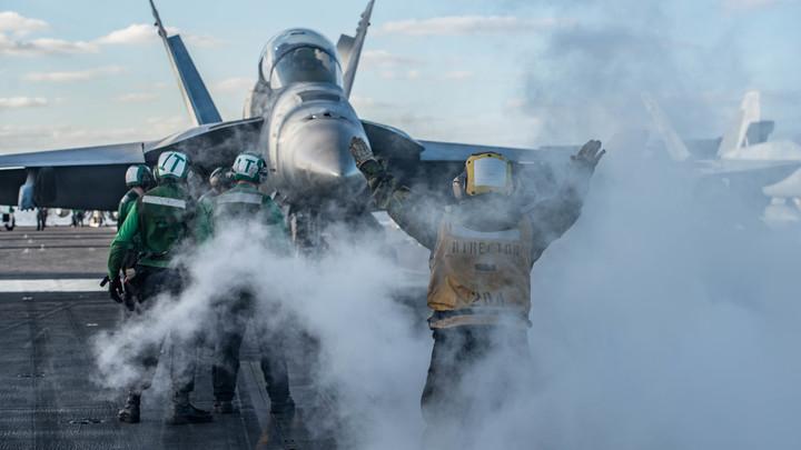 Хулиганы атаковали и Шойгу, и Путина, и Медведева. Баранец об игрищах и провокациях НАТО