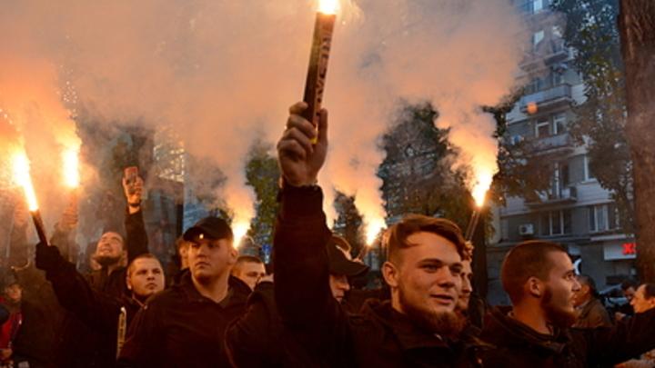 Плакат Смерть России подвел: Украинский политолог попался на лжи про мир в Киеве