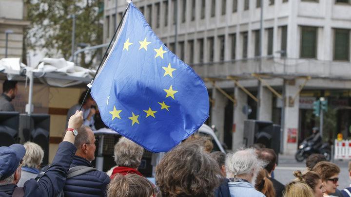 Италия объявилаЕС войну, способную привести кего краху— Contra Magazin
